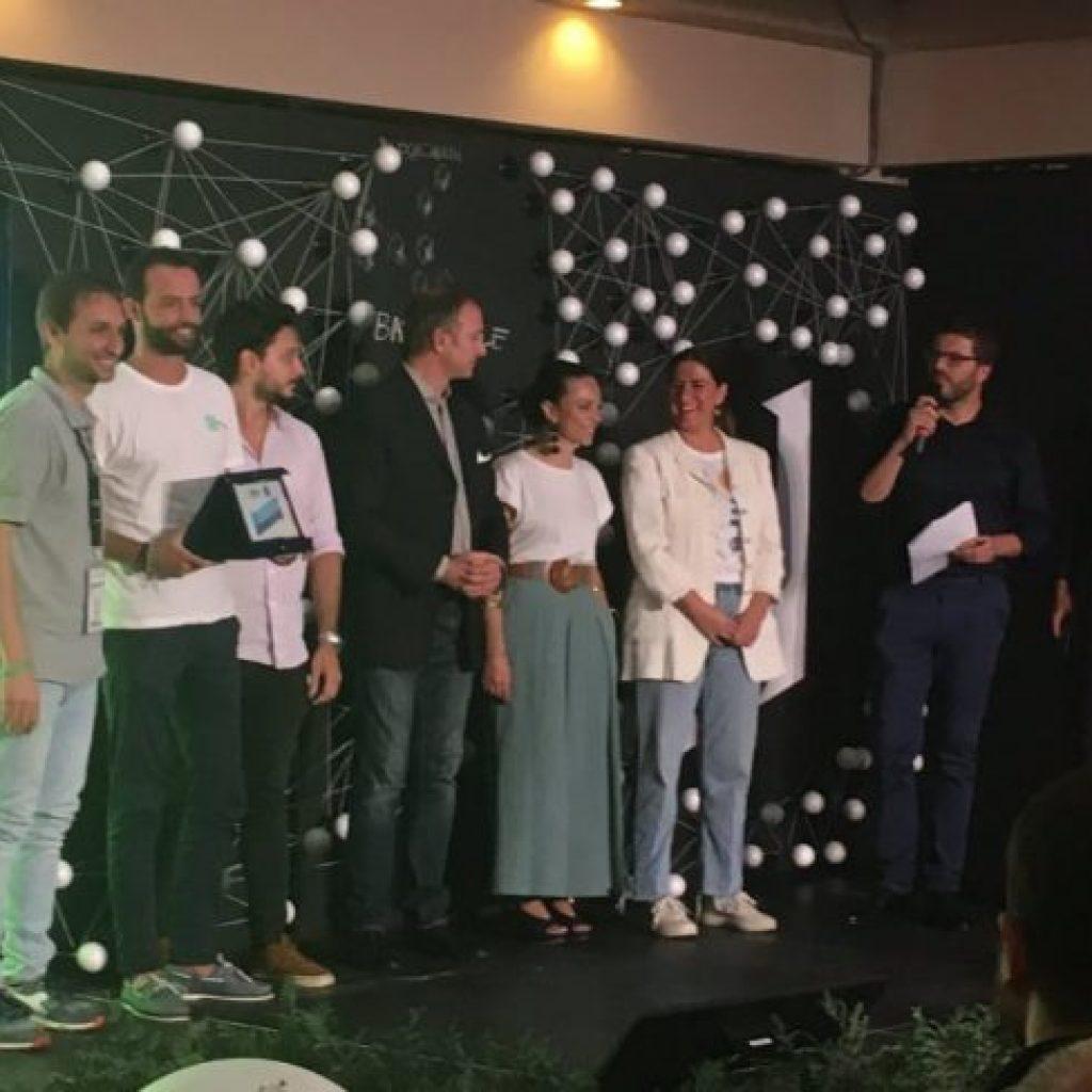 foto easytaxassistant con il premio heroes meet in maratea